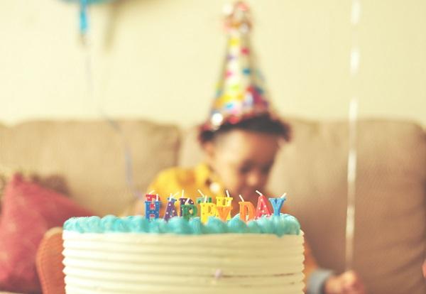 Taart voor een stijlvol kinderfeestje? Top 15 gezonde traktaties voor kinderverjaardagen!